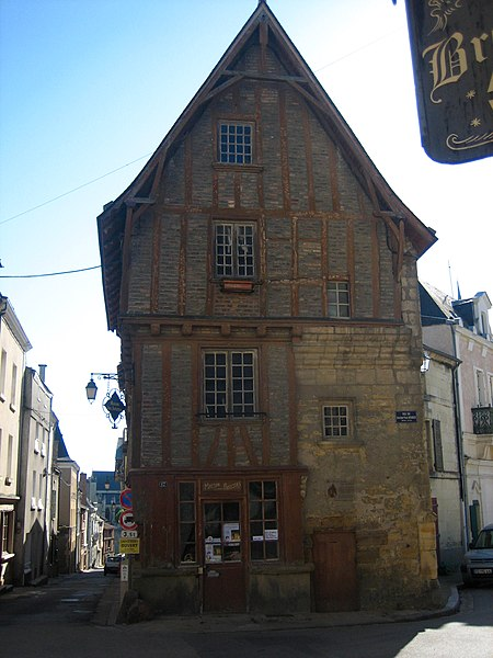 Photo du Monument Historique Maison situé à Thouars