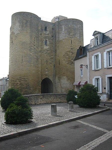 Photo du Monument Historique Tour du Prévôt situé à Thouars
