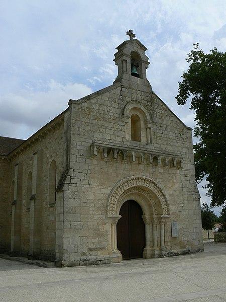 Photo du Monument Historique Eglise Saint-Pierre situé à Chauray