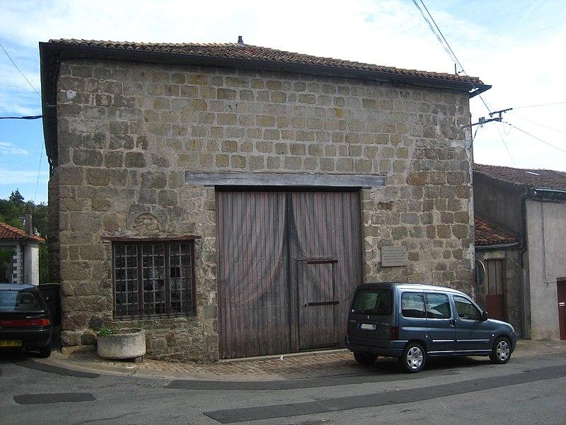 Photo du Monument Historique Eglise Saint-Jacques situé à Parthenay