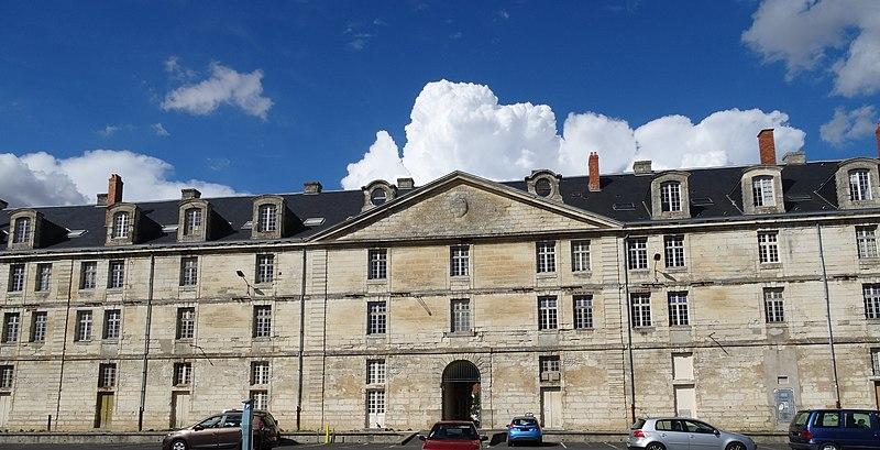 Photo du Monument Historique Caserne Duguesclin ou centre Duguesclin situé à Niort