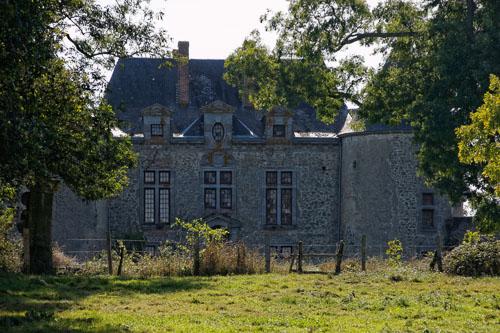 Photo du Monument Historique Château d'Orfeuille situé à Gourgé