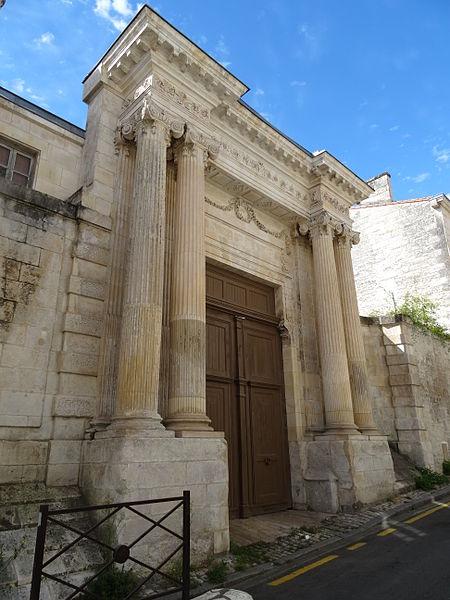 Photo du Monument Historique Ancien hôtel de La Marcardière situé à Niort