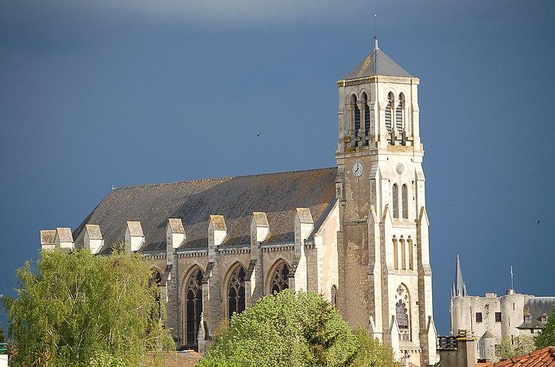 Photo du Monument Historique Eglise Saint-Etienne situé à Niort