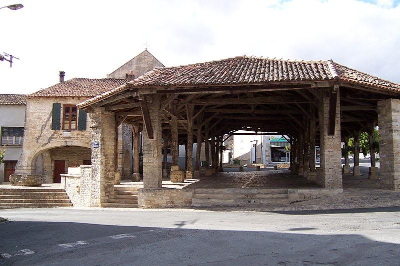 Photo du Monument Historique Halle situé à Pamproux