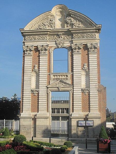 Photo du Monument Historique Ancien couvent des Ursulines situé à Abbeville