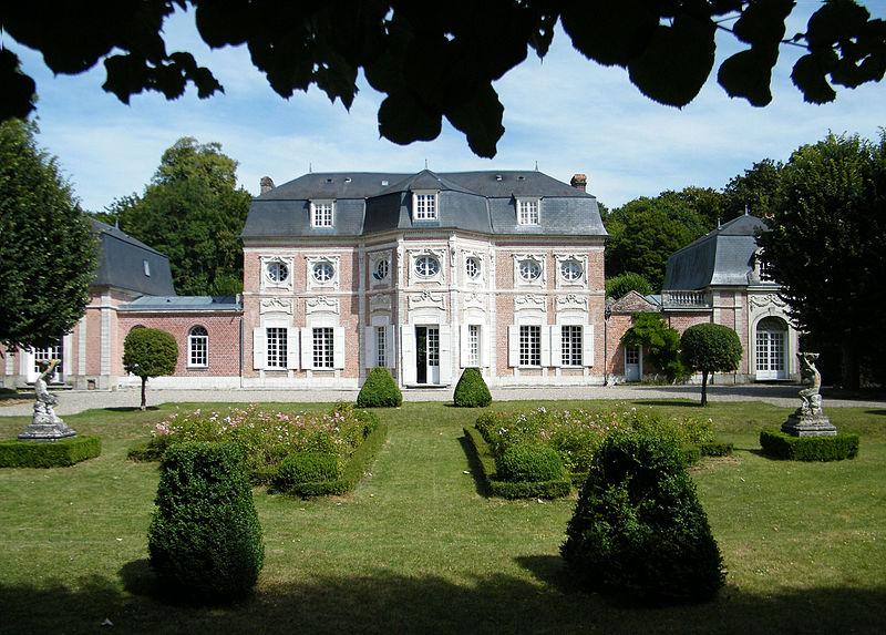 Photo du Monument Historique Maison dite de Bagatelle et son parc situé à Abbeville
