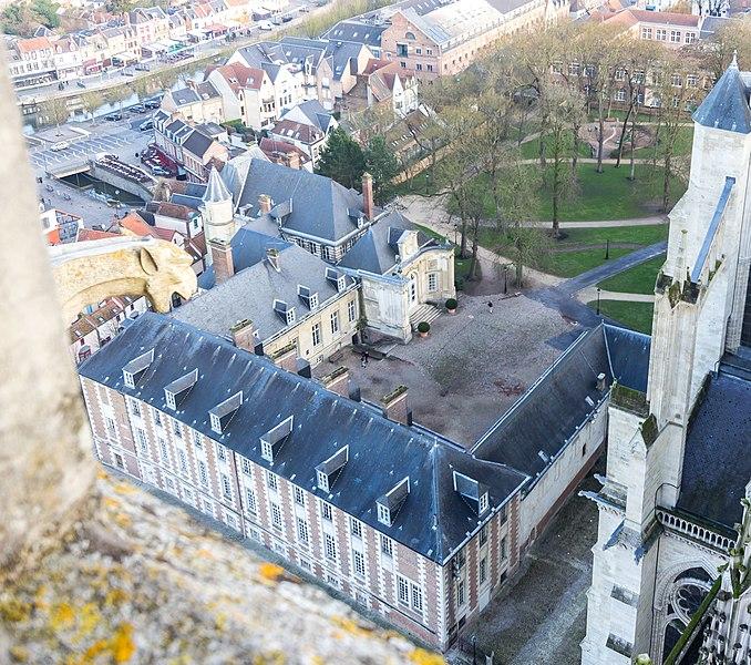 Photo du Monument Historique Ancien évéché situé à Amiens