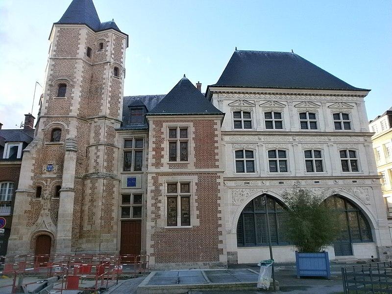 Photo du Monument Historique Maison du Sagittaire situé à Amiens