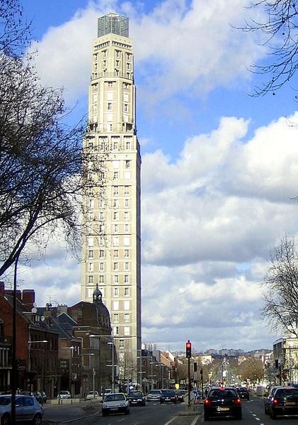 Photo du Monument Historique Ensemble architectural situé à Amiens