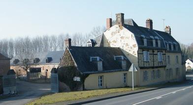 Photo du Monument Historique Ancienne Maison de la Poste situé à Bernay-en-Ponthieu