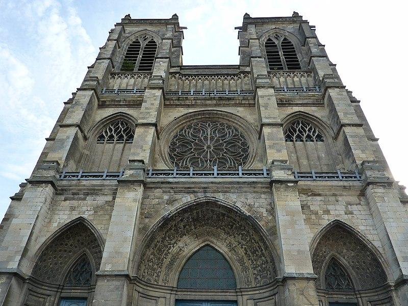Photo du Monument Historique Eglise Saint-Pierre (ancienne abbatiale) situé à Corbie