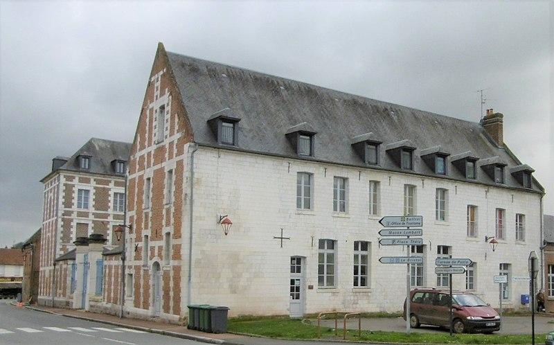 Photo du Monument Historique Ancien Hôtel-Dieu situé à Doullens