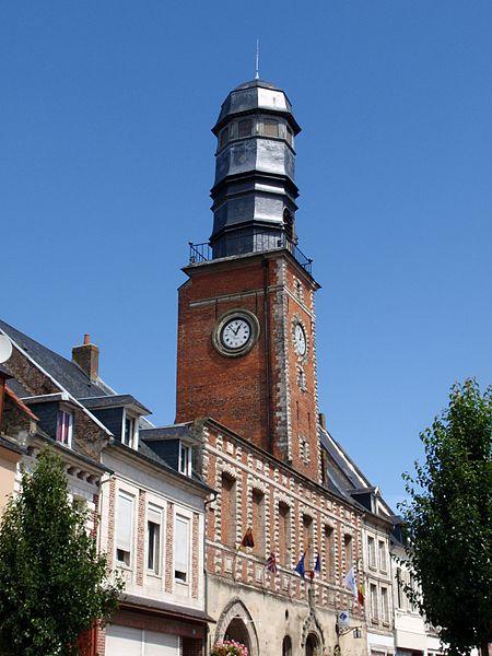 Photo du Monument Historique Ancienne maison communale situé à Doullens
