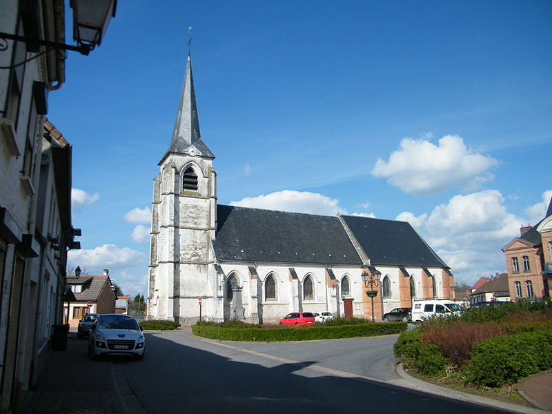 Photo du Monument Historique Eglise situé à Hallencourt
