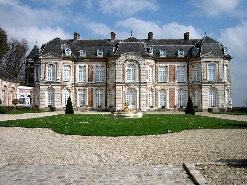 Photo du Monument Historique Château de Long situé à Long