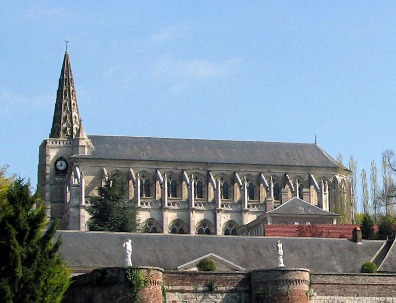 Photo du Monument Historique Eglise Saint-Jean-Baptiste situé à Long