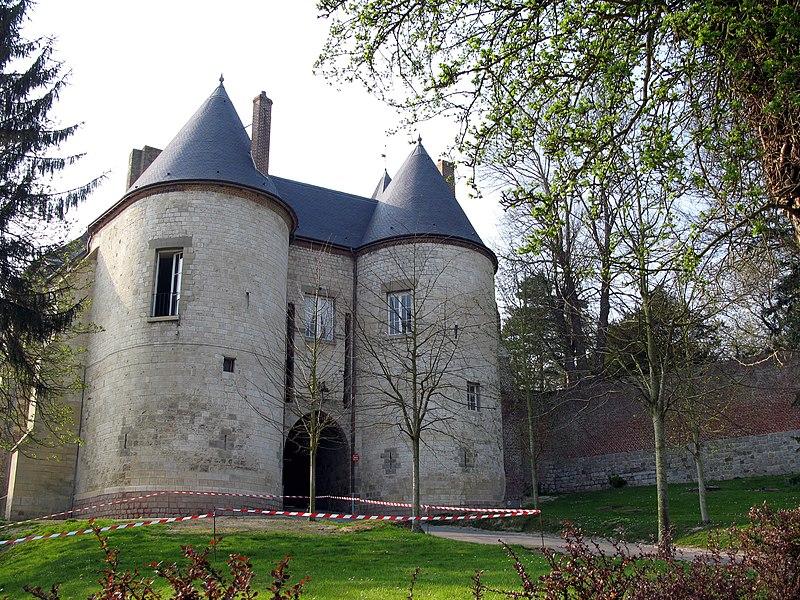 Photo du Monument Historique Château situé à Lucheux