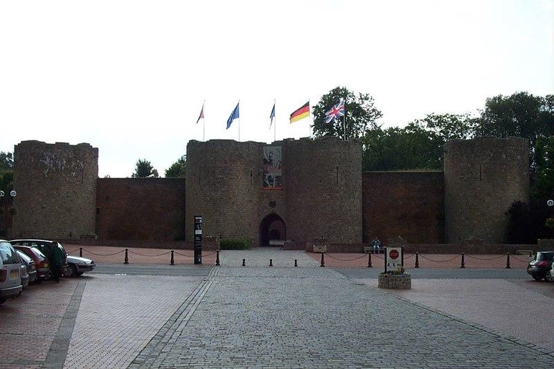 Photo du Monument Historique Château situé à Péronne