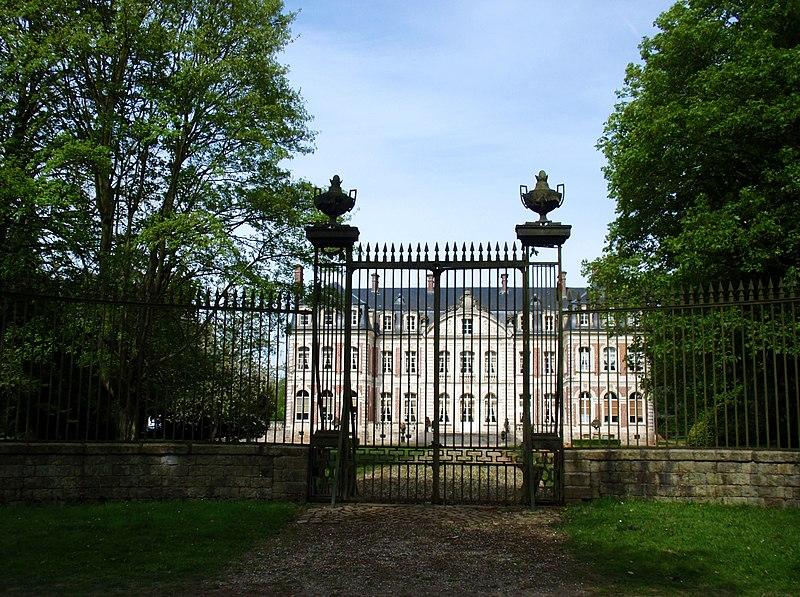 Photo du Monument Historique Château situé à Remaisnil