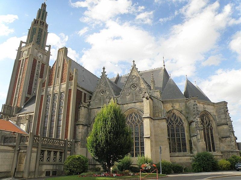 Photo du Monument Historique Eglise Saint-Pierre situé à Roye