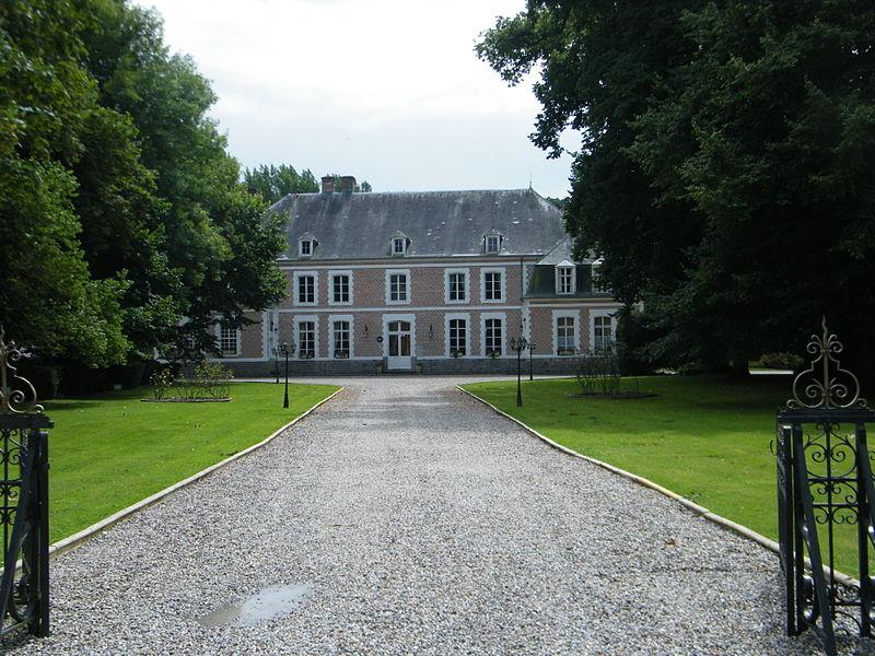 Photo du Monument Historique Château du Broutel situé à Rue