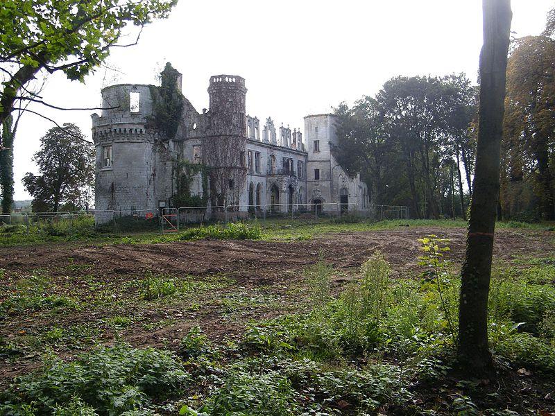 Photo du Monument Historique Château situé à Pont-Remy