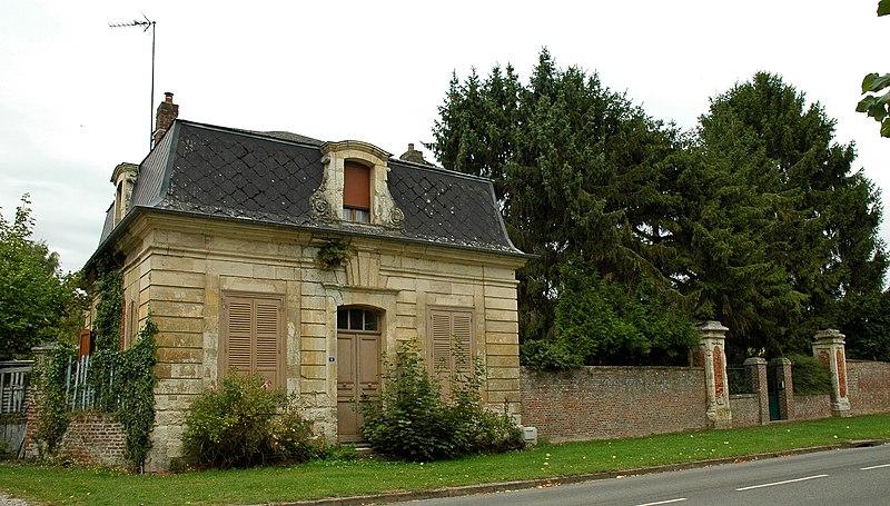 Photo du Monument Historique Château d'Heilly (également sur commune de Ribemont-sur-Ancre) situé à Heilly
