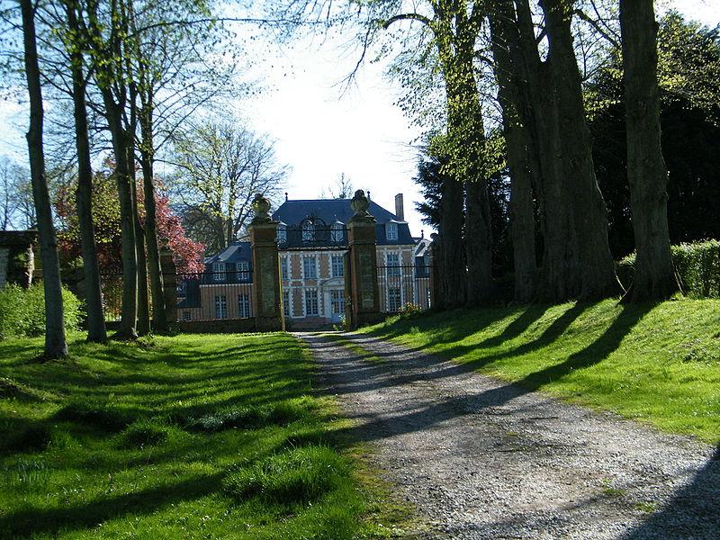 Photo du Monument Historique Domaine du château situé à Foucaucourt-Hors-Nesle