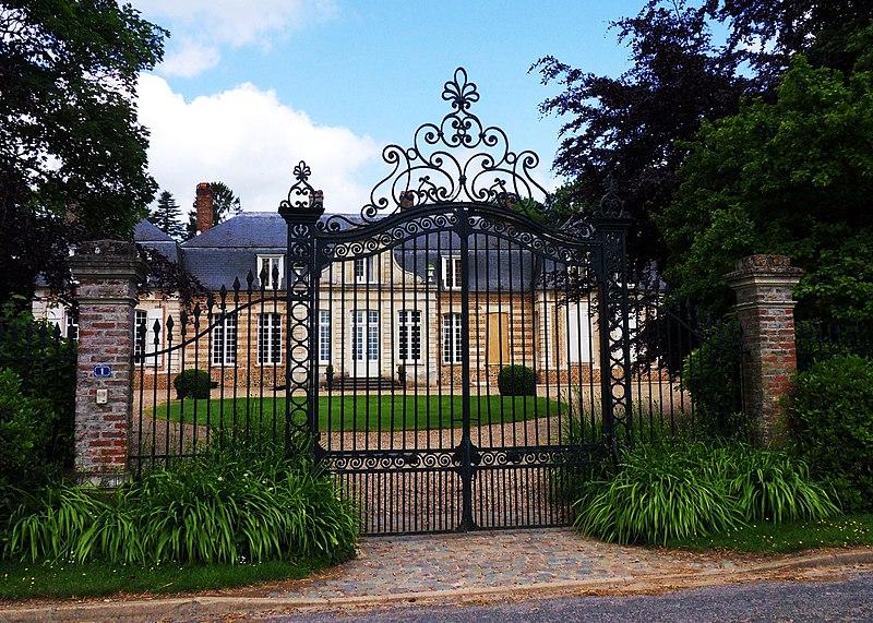 Photo du Monument Historique Château de Fransu situé à Fransu