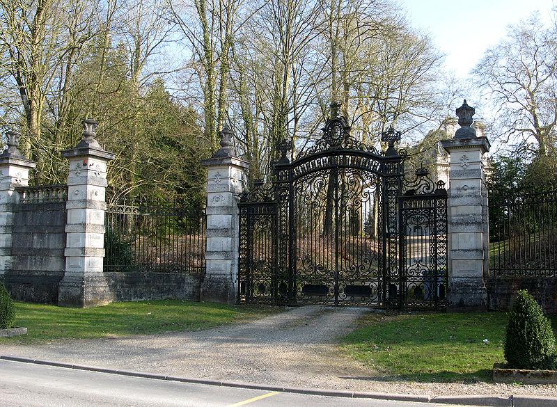 Photo du Monument Historique Château de Canaples situé à Canaples