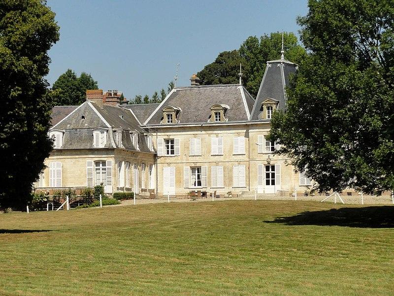 Photo du Monument Historique Château situé à La Chaussée-Tirancourt