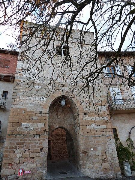 Photo du Monument Historique Ancienne porte de ville situé à Castelnau-de-Montmiral
