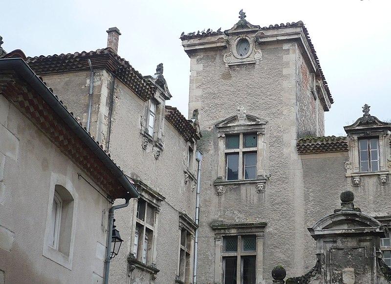 Photo du Monument Historique Hôtel de Viviès situé à Castres
