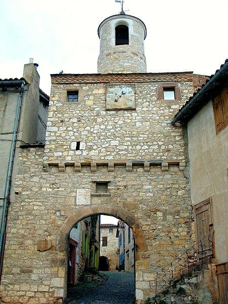 Photo du Monument Historique Porte de ville dite de l'Horloge situé à Cordes-sur-Ciel