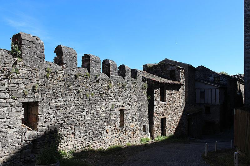 Photo du Monument Historique Remparts crénelés situé à Cordes-sur-Ciel