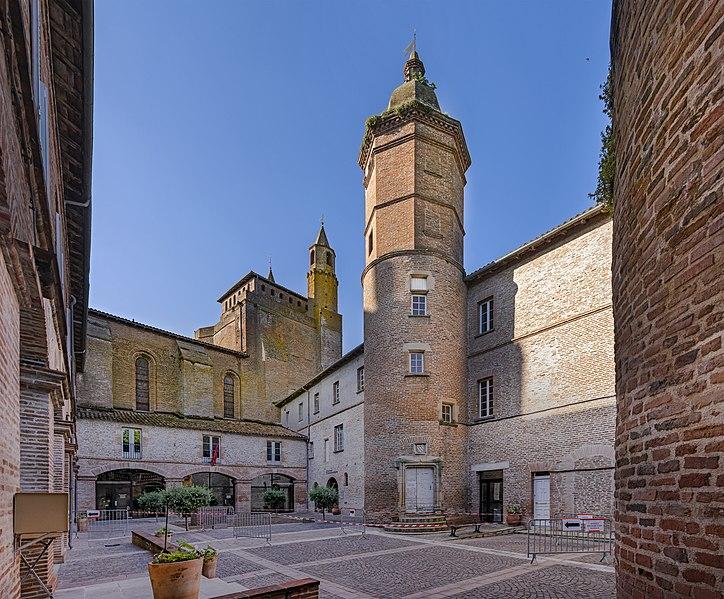 Photo du Monument Historique Hôtel de ville situé à Rabastens