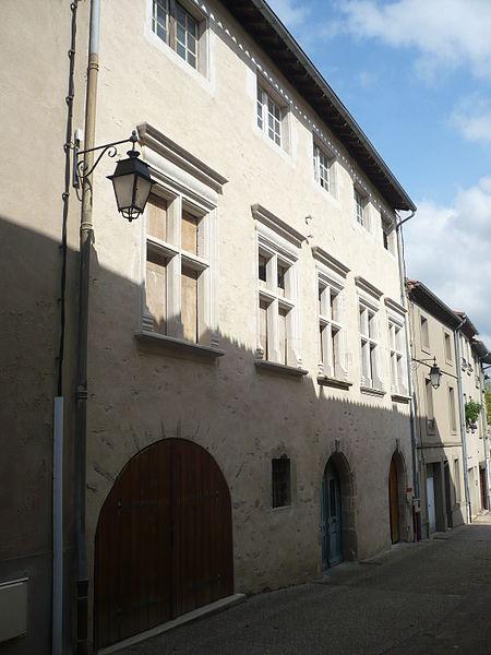 Photo du Monument Historique Ancienne caserne de gendarmerie situé à Saint-Amans-Soult
