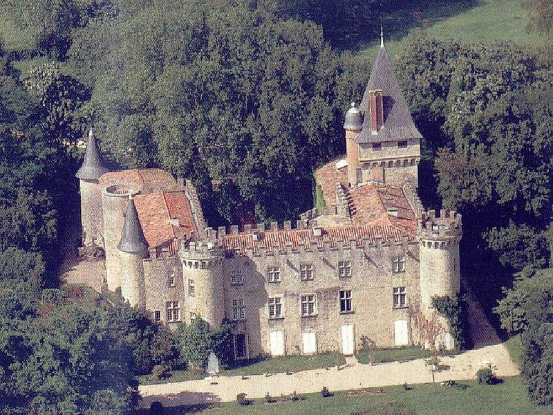 Photo du Monument Historique Château de Montespieu situé à Navès