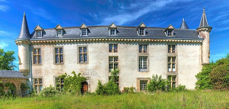 Photo du Monument Historique Château de Castelfranc situé à Montredon-Labessonnié