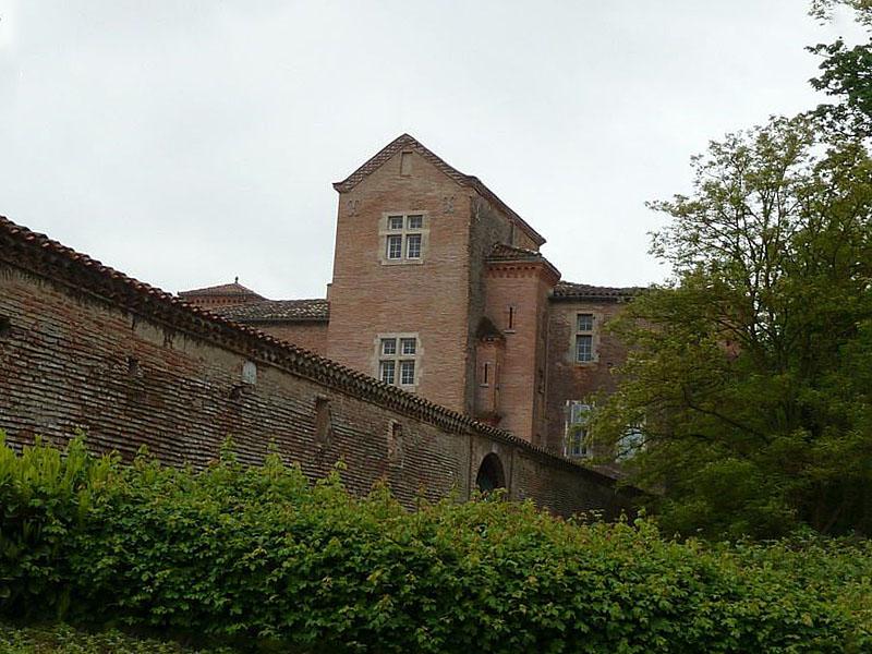 Photo du Monument Historique Château de Lastouzeilles situé à Palleville