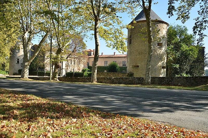 Photo du Monument Historique Château d'Hauterive situé à Castres