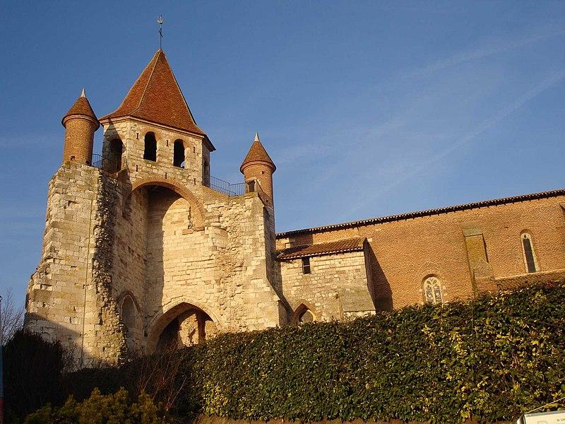 Photo du Monument Historique Eglise Saint-Pierre situé à Auvillar