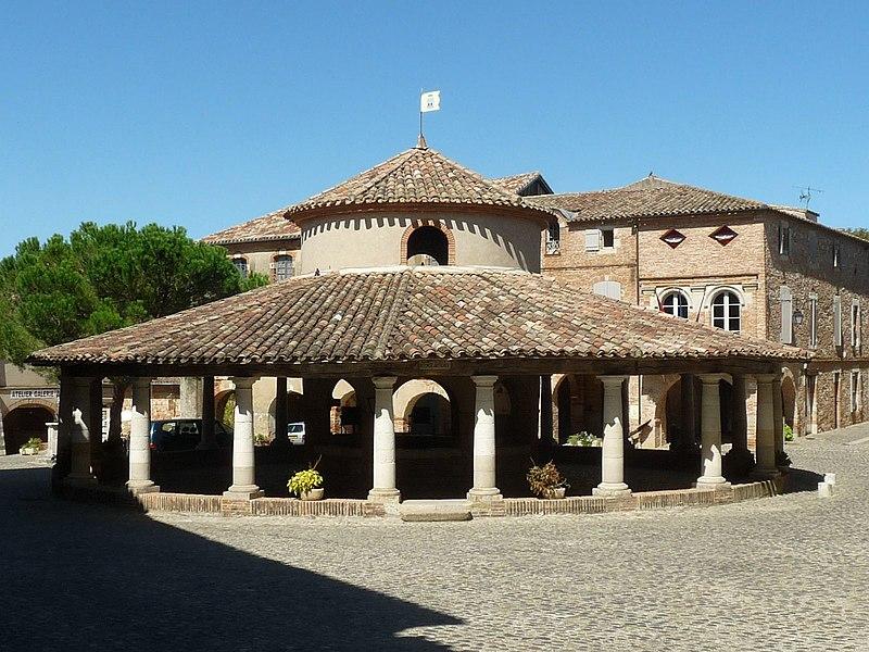 Photo du Monument Historique Ancienne halle aux grains situé à Auvillar