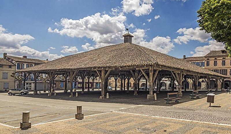 Photo du Monument Historique Halle situé à Beaumont-de-Lomagne