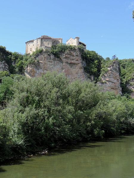 Photo du Monument Historique Ruines du château situé à Bruniquel