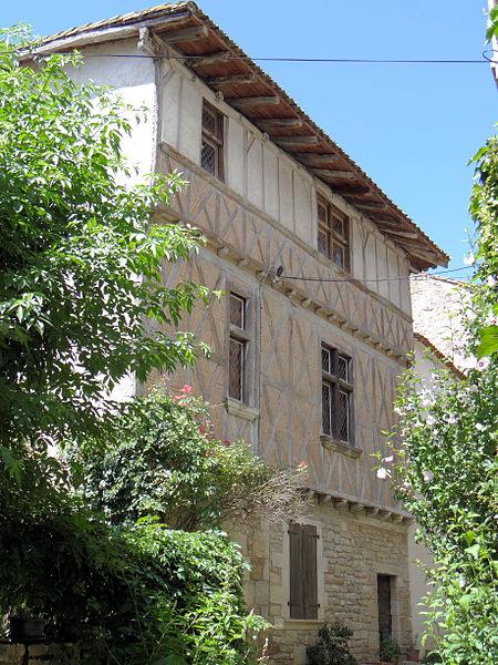 Photo du Monument Historique Maison de bois Maison Belaygue situé à Bruniquel