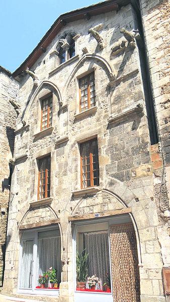 Photo du Monument Historique Maison du 13e siècle dite Maison des Loups situé à Caylus