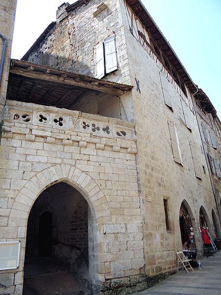 Photo du Monument Historique Porte de ville, dit Portail Obscur situé à Caylus