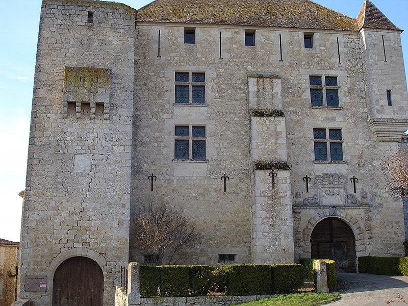 Photo du Monument Historique Château de Gramont situé à Gramont